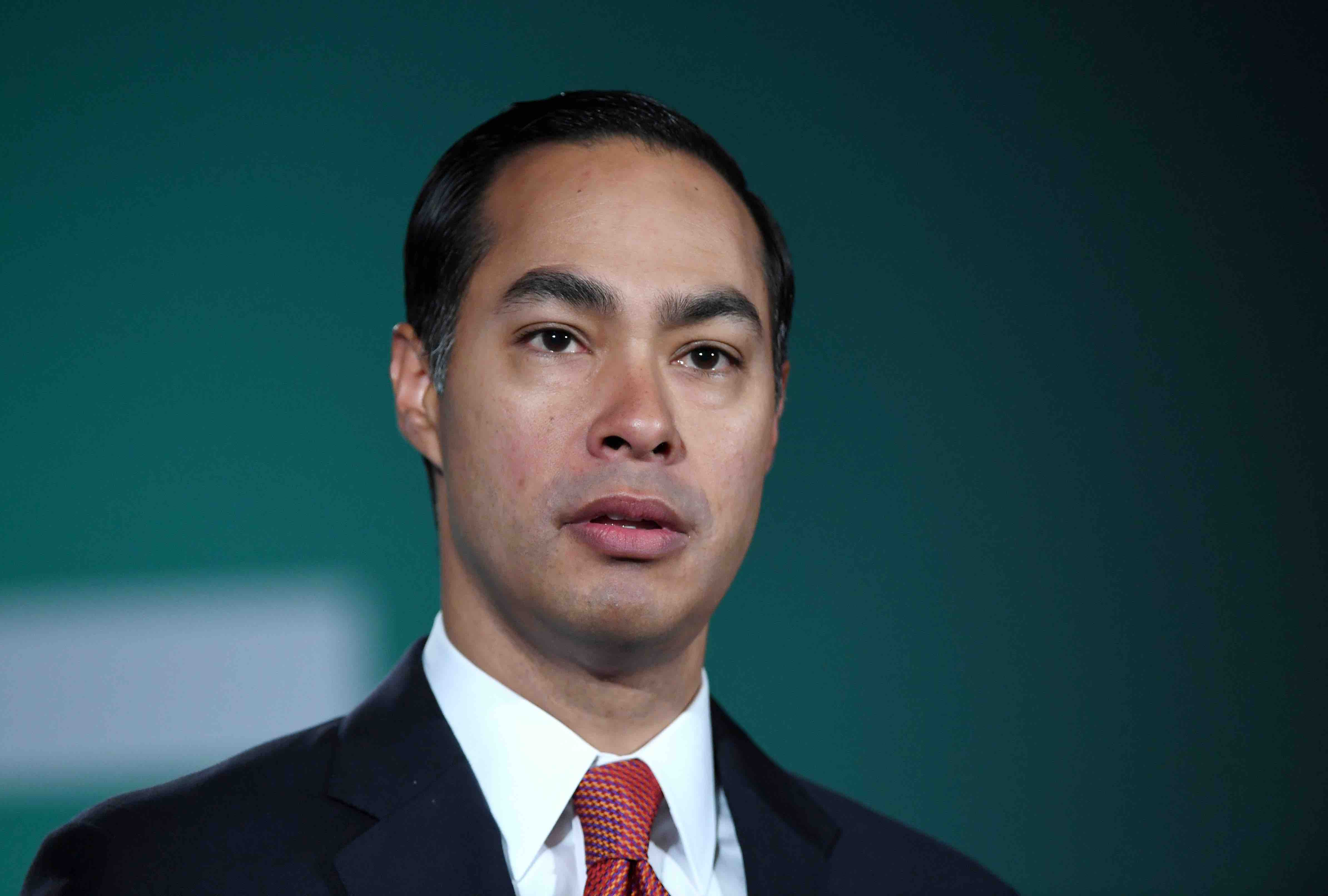 Julián Castro's Climate Change Plan Includes Creating a Status for Climate Refugees