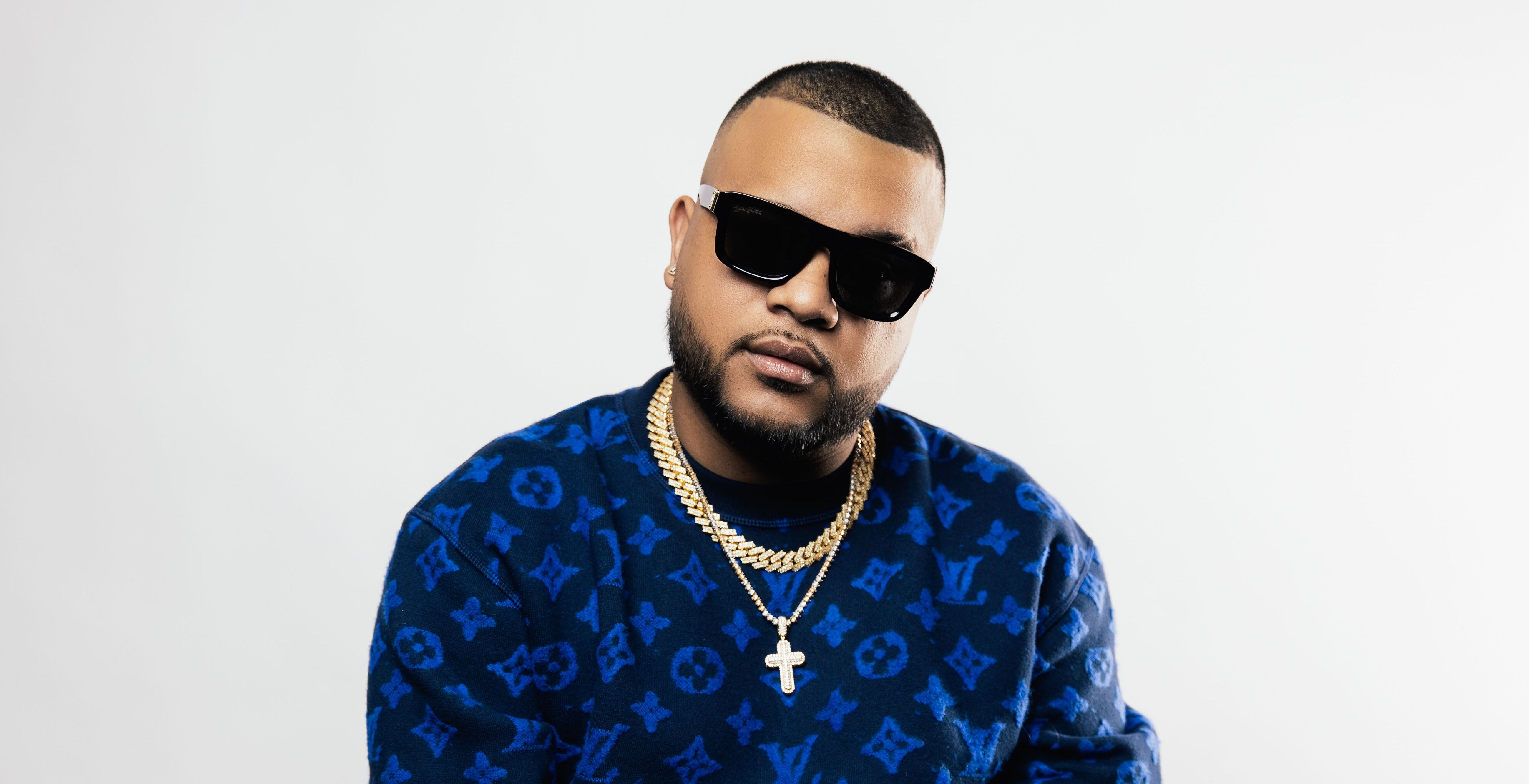 """Panamanian Producer Dimelo Flow Makes His Debut With Star-Studded """"El Favor"""""""