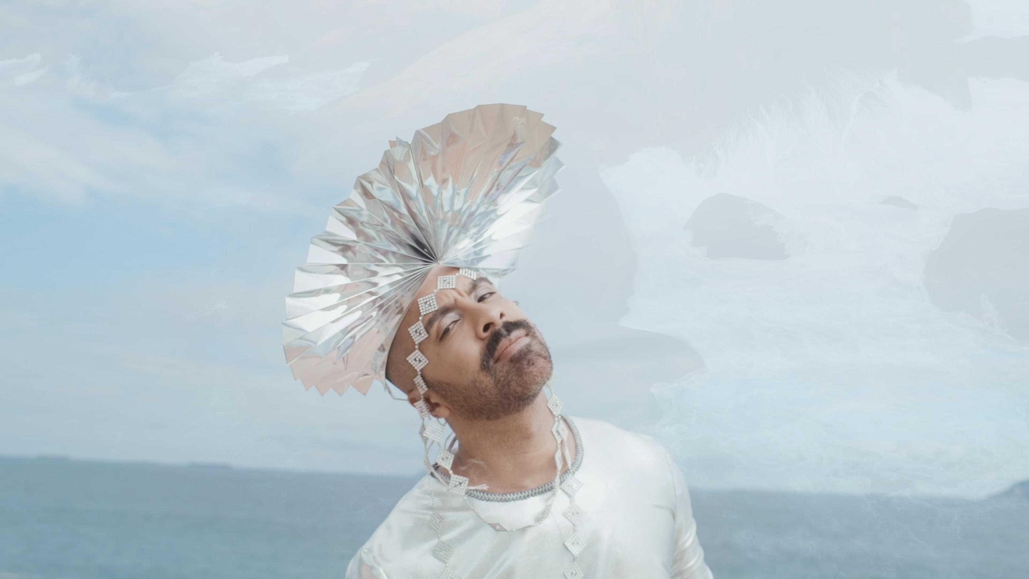 """Premiere: Bruno Capinan's """"Escorpião"""" Is a Funk Carioca Odyessy"""