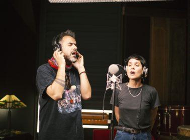 """Chilean Musicians Unite To Perform Victor Jara Resistance Anthem """"El Derecho A Vivir En Paz"""""""