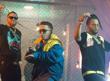 "De La Ghetto Teams Up WIth El Alfa & Miky Woodz For Trap Banger ""Feka"""