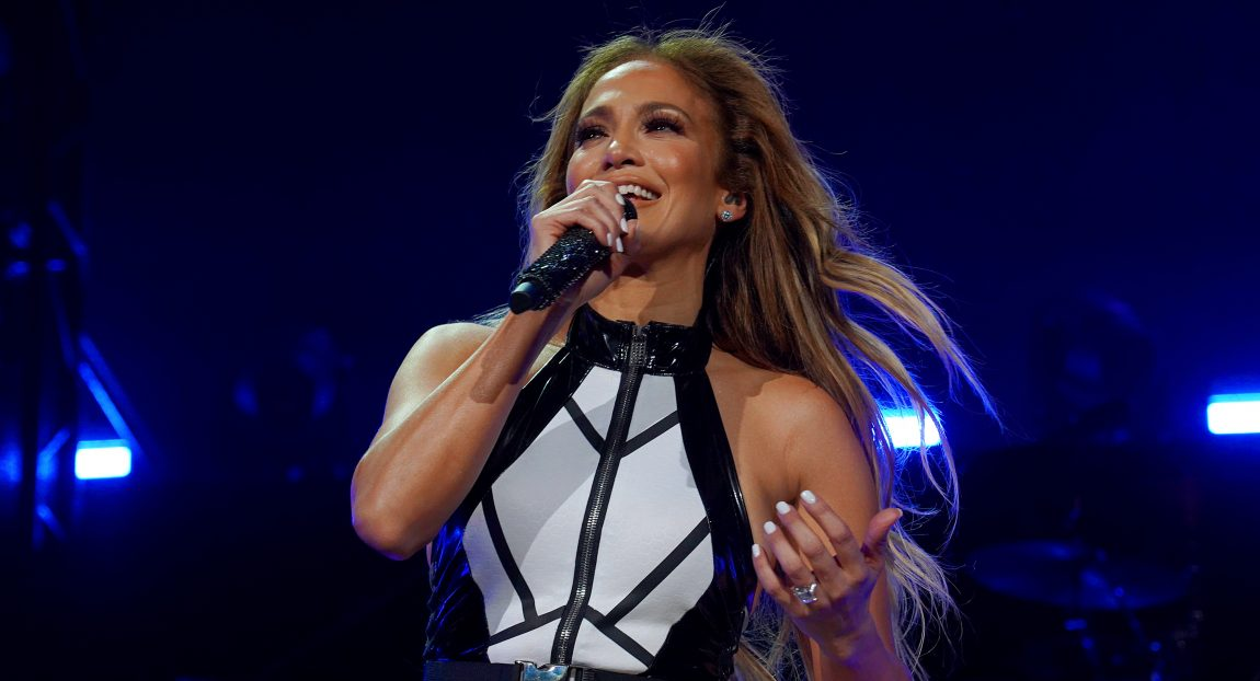 Halftime Show Thanksgiving 2020.Jlo On Superbowl Halftime Show I Want To Bring Everybody