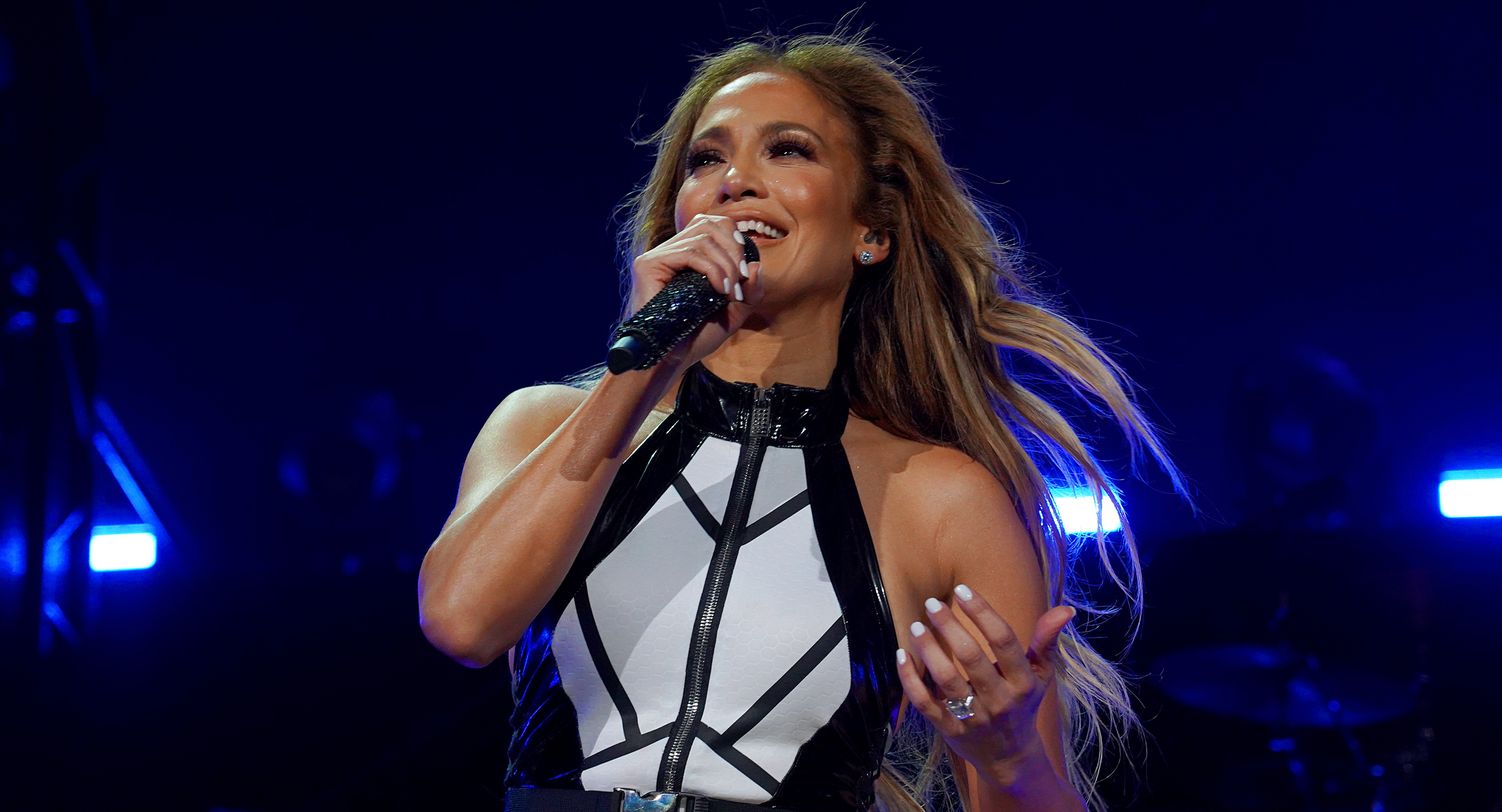 """JLo Wants to """"Bring Everybody Together"""" at the Super Bowl Halftime Show"""