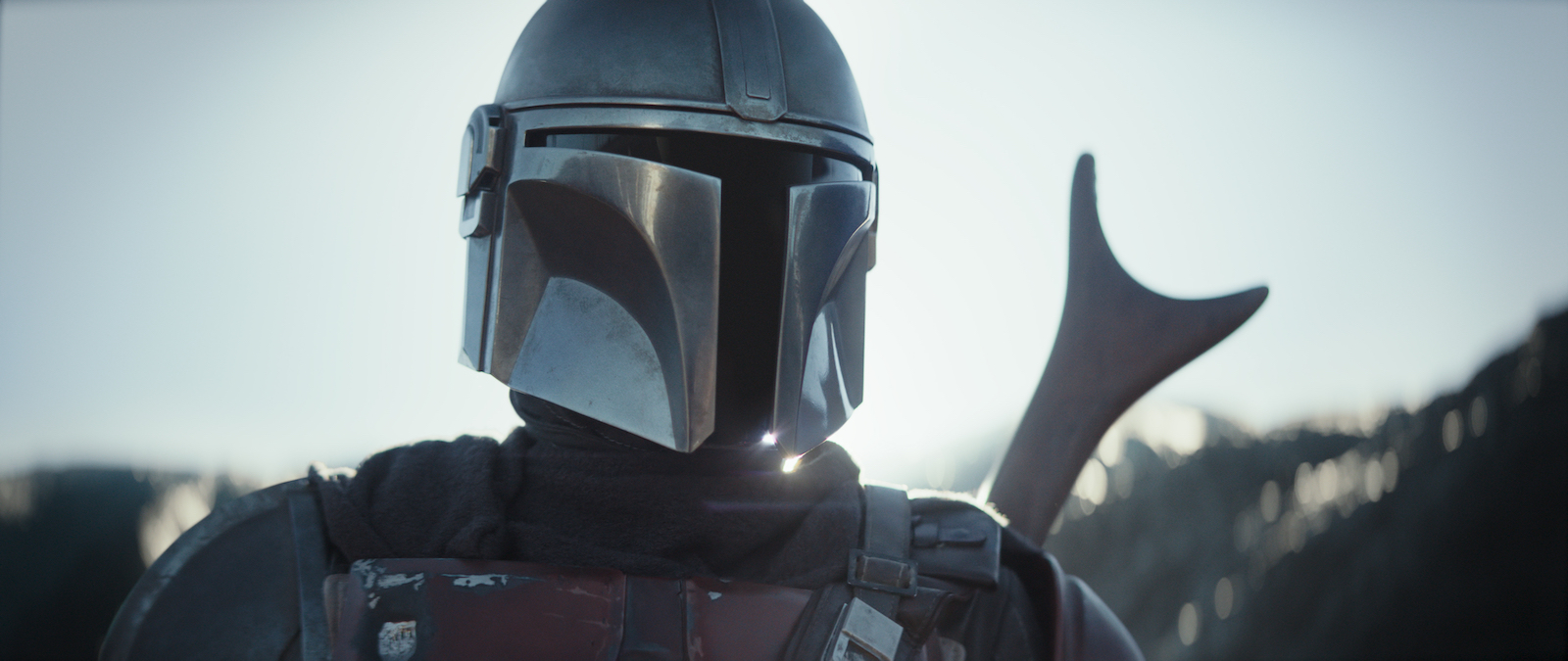 REVIEW: Pedro Pascal Is the Quintessential Mystery Man in Space Western 'The Mandalorian'