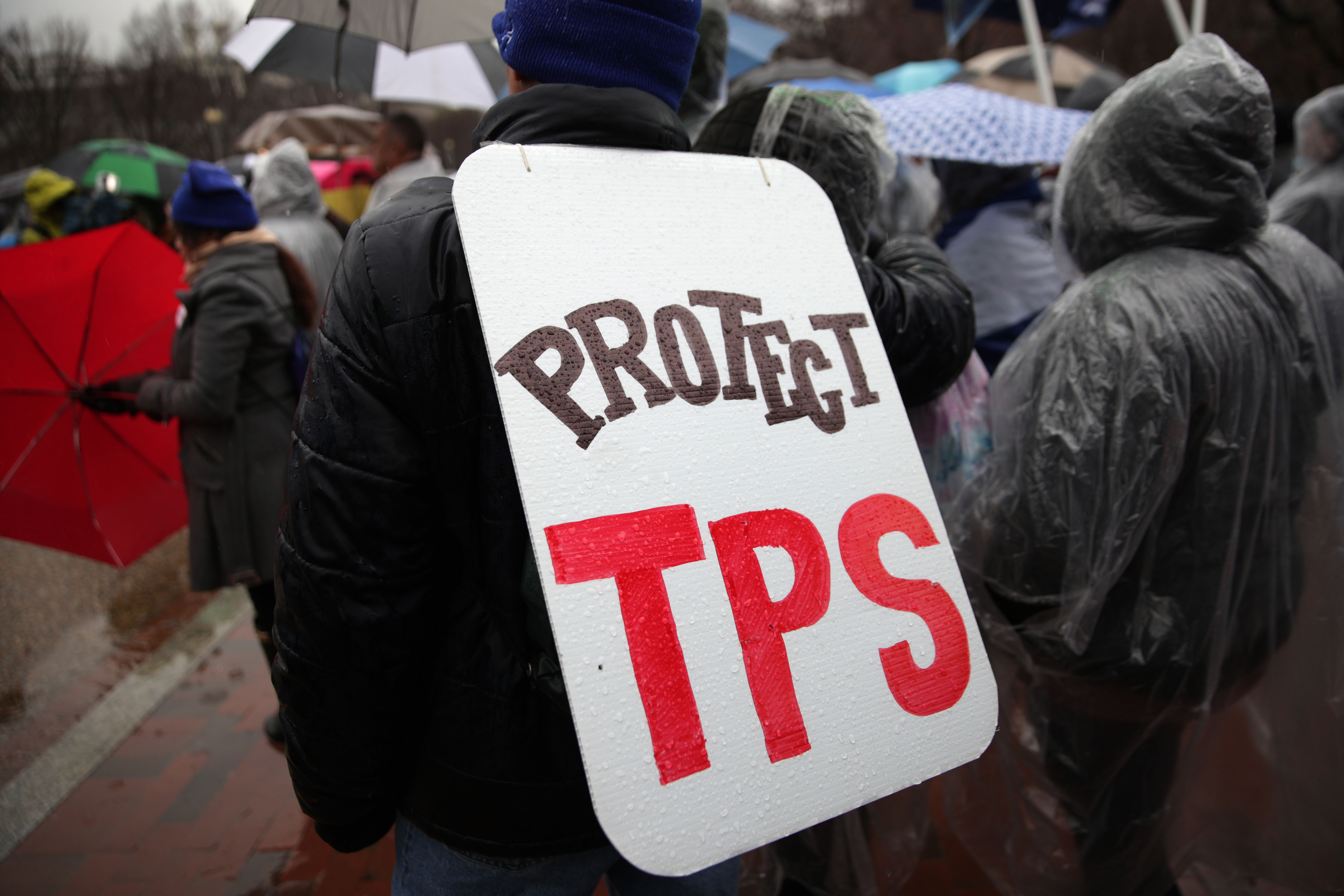 More Than 200K Salvadoran TPS Holders Have Another Year to Live in the US