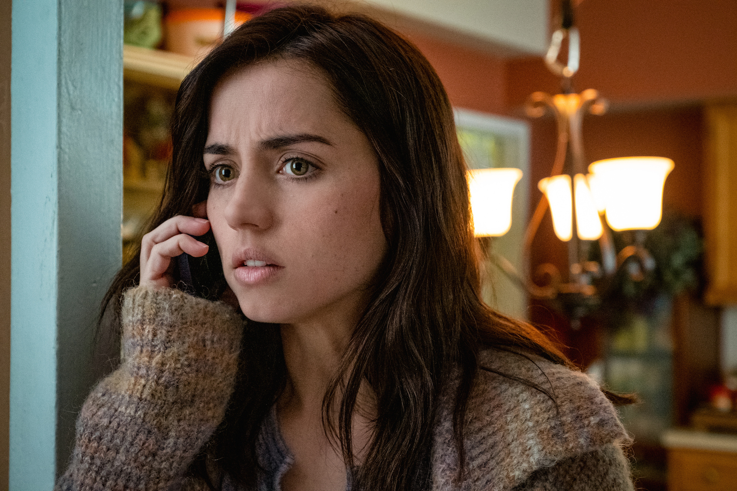 REVIEW: Ana de Armas's Character in 'Knives Out' Is the Latina Heroine We Need in the Trump Era