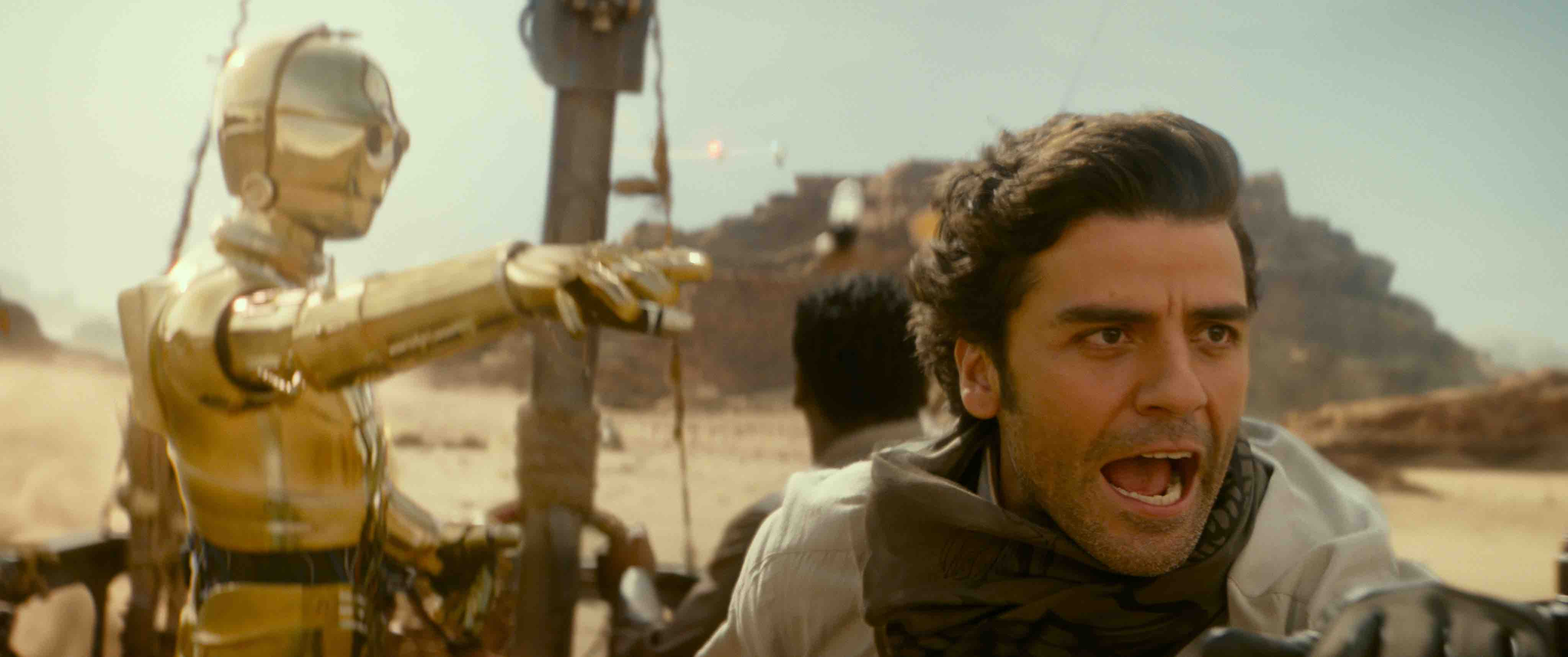 "Oscar Isaac on Finn-Poe Relationship: ""I Thought They Should Have Been Boyfriends"""