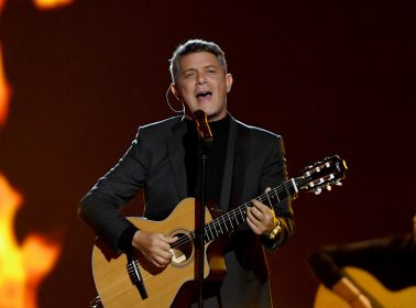 """Alejandro Sanz Says Juan Luis Guerra Is """"Only King"""" of Bachata. Here's What Actual Dominicans Think"""