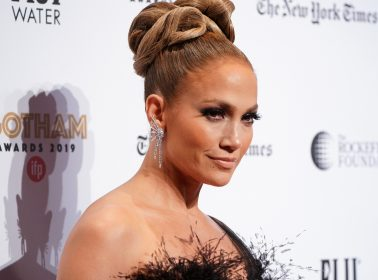 """Watch Jennifer Lopez Gush Over Her Love for the """"Amazing"""" Baby Yoda"""