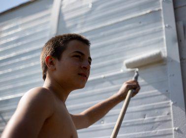 REVIEW: 'Blanco de Verano' Film Paints a Dour Image of Contemporary Masculinity