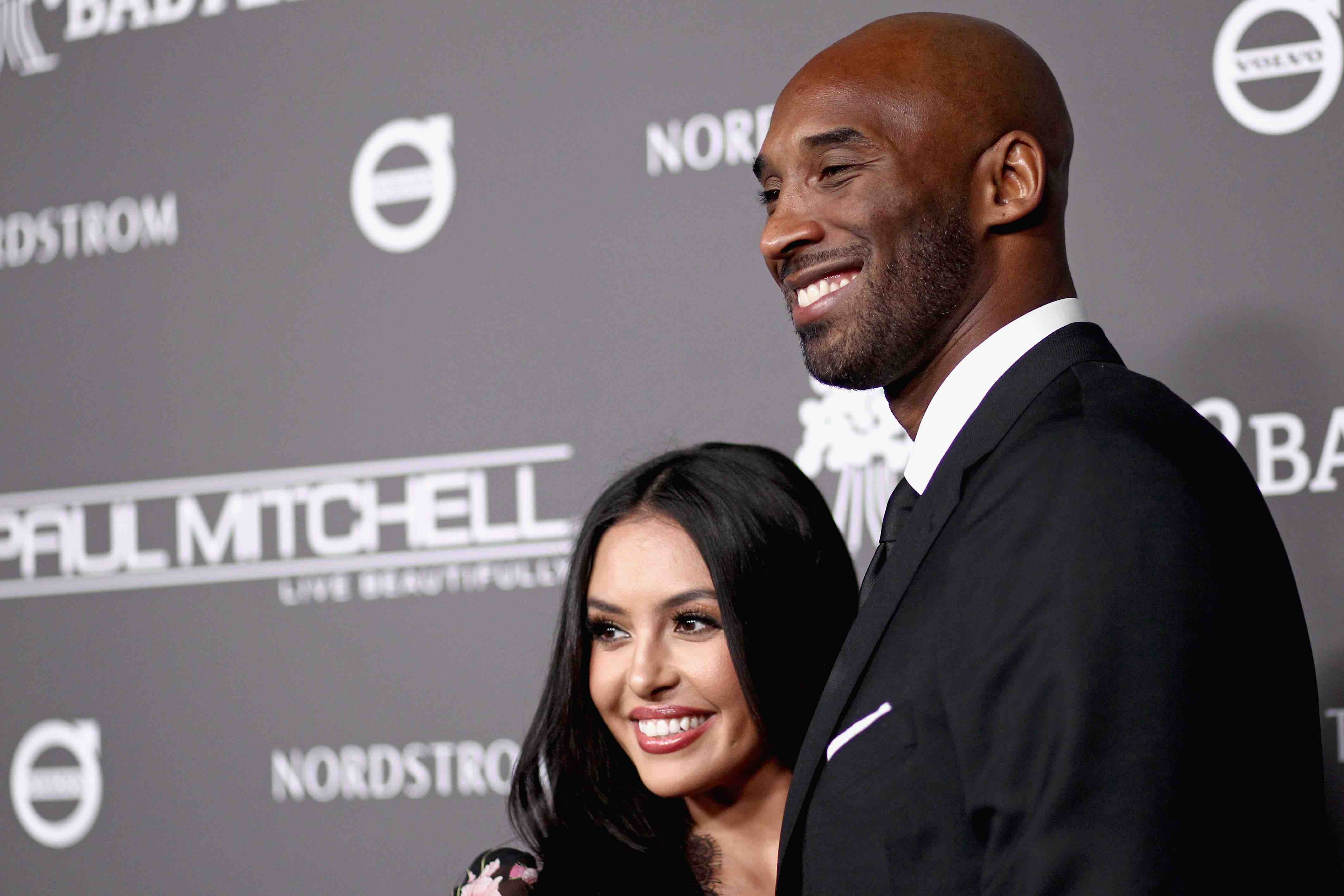 Vanessa Bryant Posts Heartfelt Message for Kobe and Gianna on Instagram