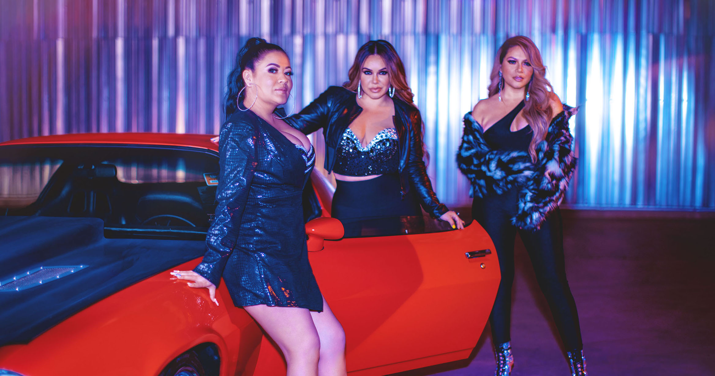 "Chiquis Rivera Unites Three Divas of Mexican Regional on ""Las Destrampadas"""