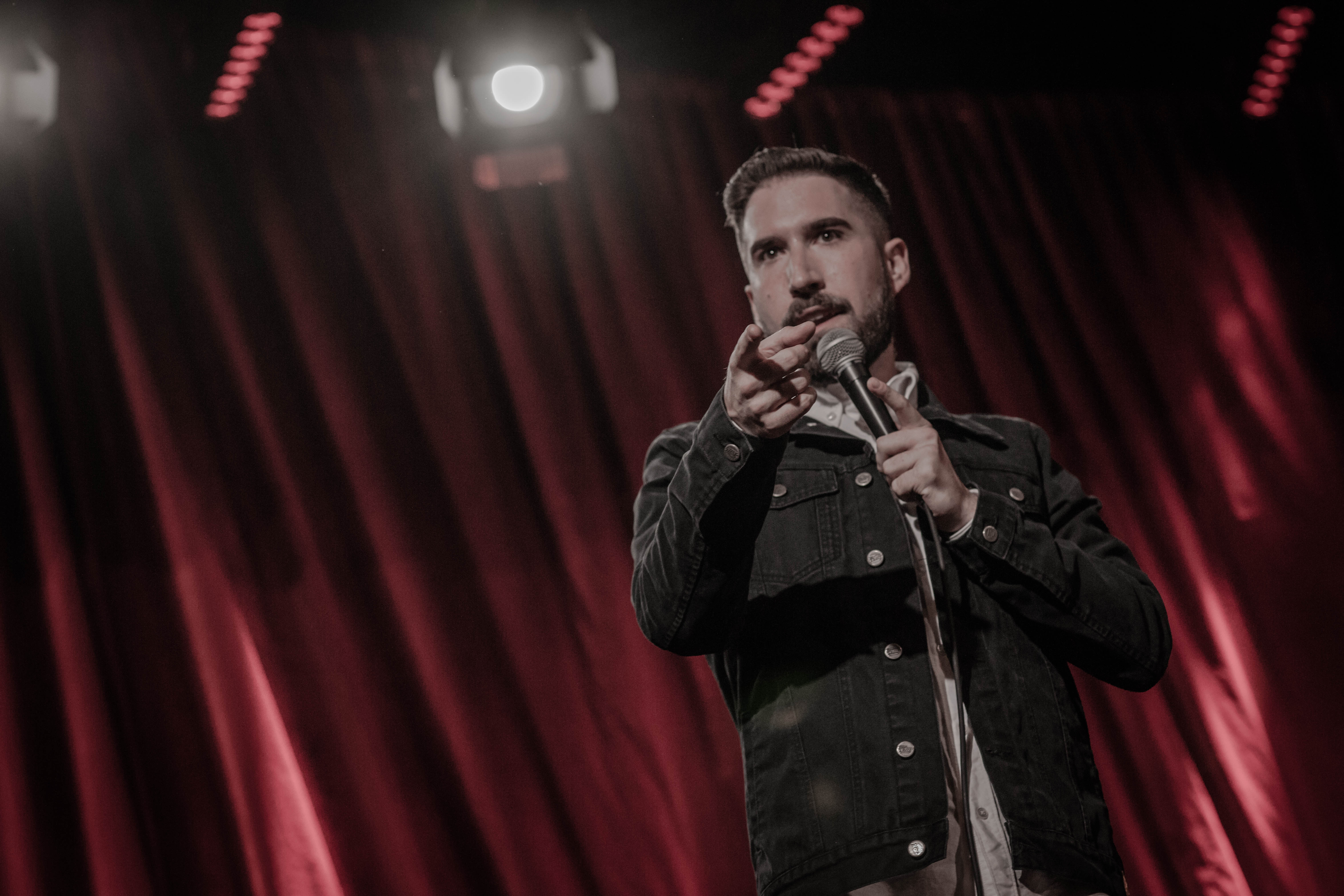Mexican Comedian Alex Fernández On Finding Humor in Men's Insecurities & His Own White Privilege