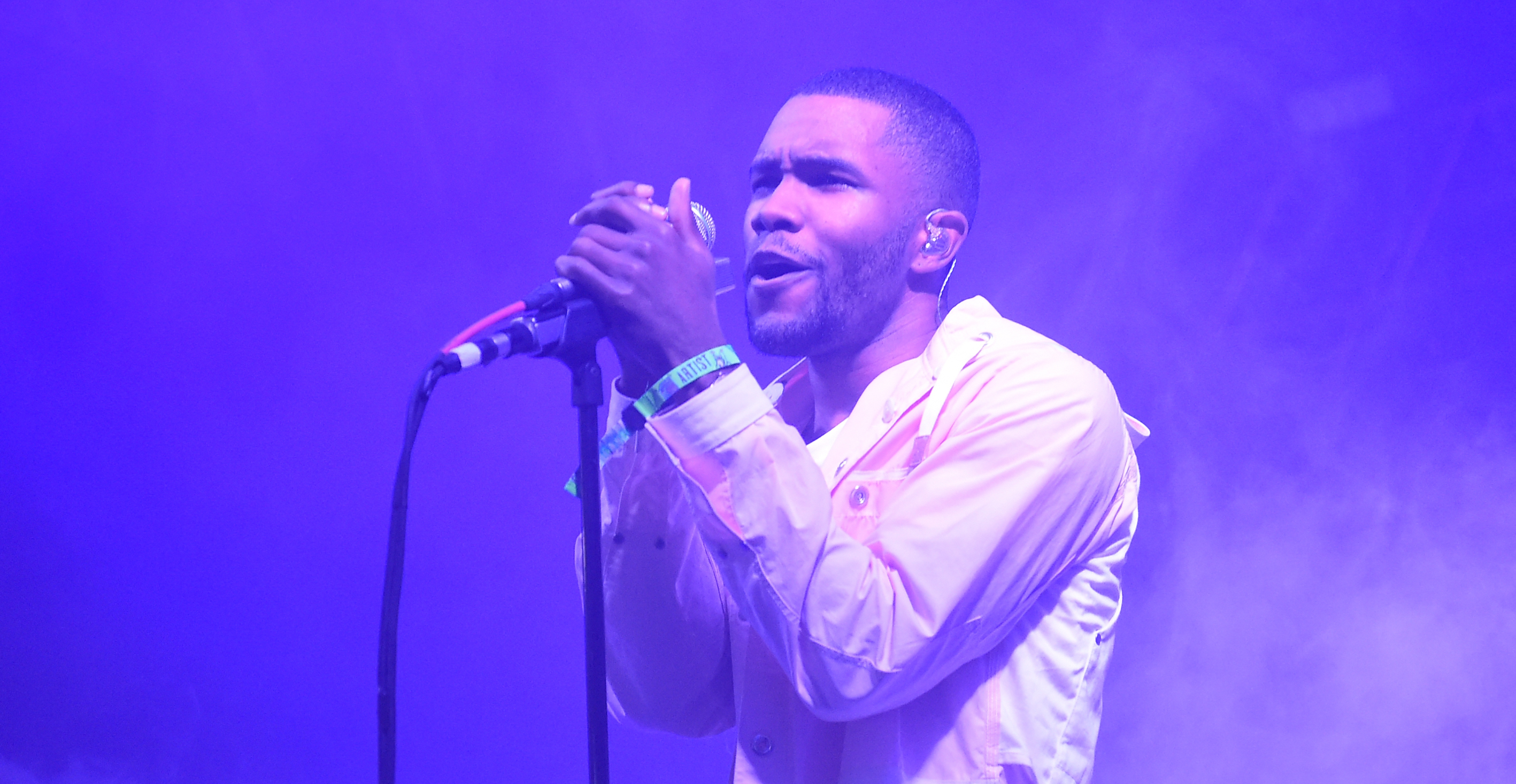 Frank Ocean Is Here To Mess You Up In English & Español with New Track, 'Cayendo'