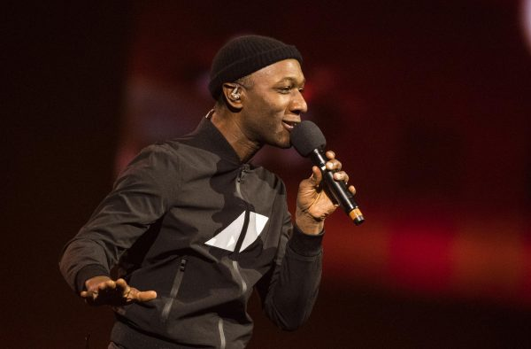 Aloe Blacc on 'the Issue With Politics as Usual'