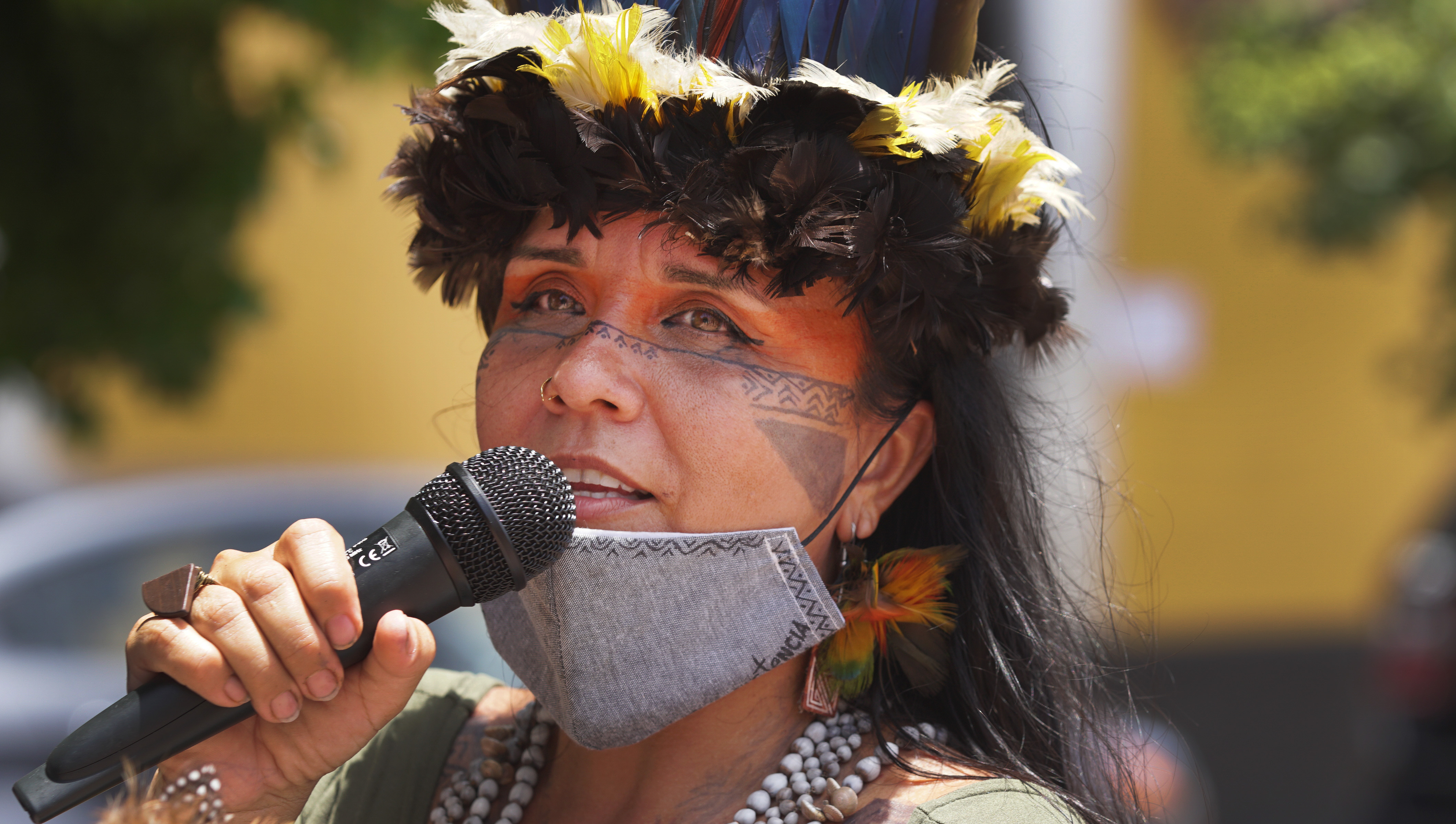 Luchas: Indigenous Activists in Puerto Rico Call for Removal of Colonial Monuments